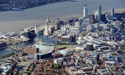 Elektrikli araba ile günübirlik Liverpool
