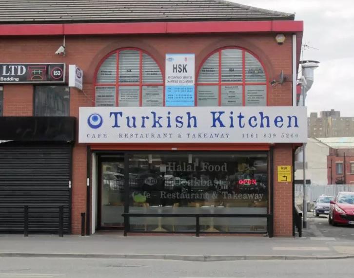 Manchester'da Süper lig maçı veren kebapçı – Turkish Kitchen